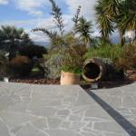 posizionamento anfore di terracotta da giardino